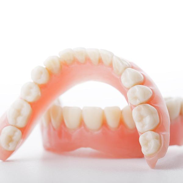 Dentures | Kingsland Family Dental Centre | SW Calgary | General Dentist